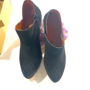 NEW IN BOX LUCKY BRAND BLACK OVER ANKLE BOOTS